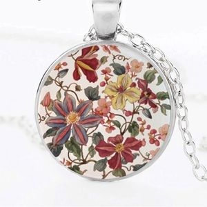 Jewelry - Vintage floral pendant NEW